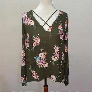 Lush Green Floral Criss Cross Blouse Size Large